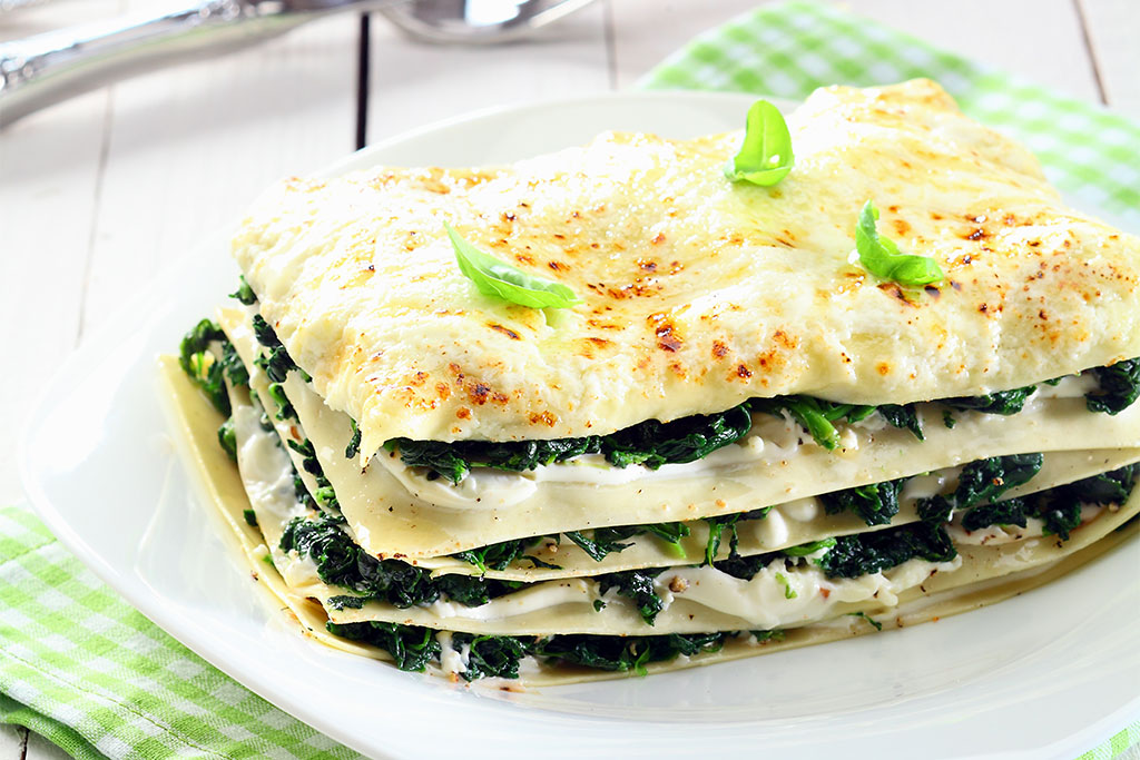 Lasagna with pesto cream, ricotta and spinach